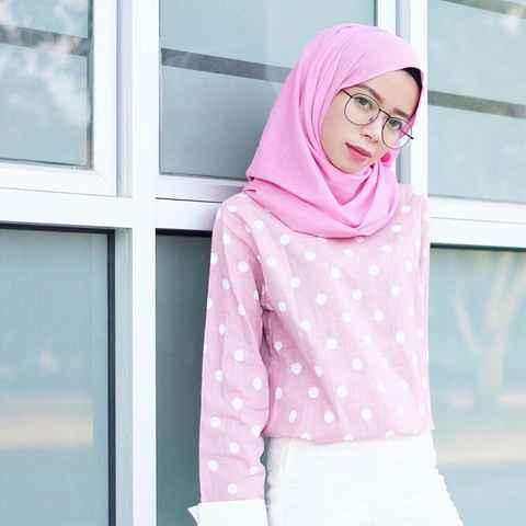 Coba Gaya Hijab Segitiga Yang Kekinian