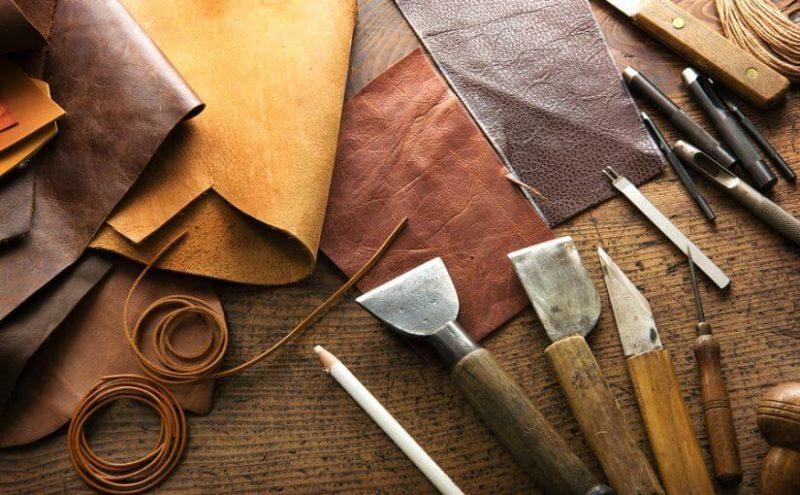 Bolehkah Mengenakan Jaket dan Tas dari Kulit Hewan?